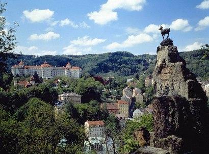 Чехия, Карловы Вары - памятник оленю